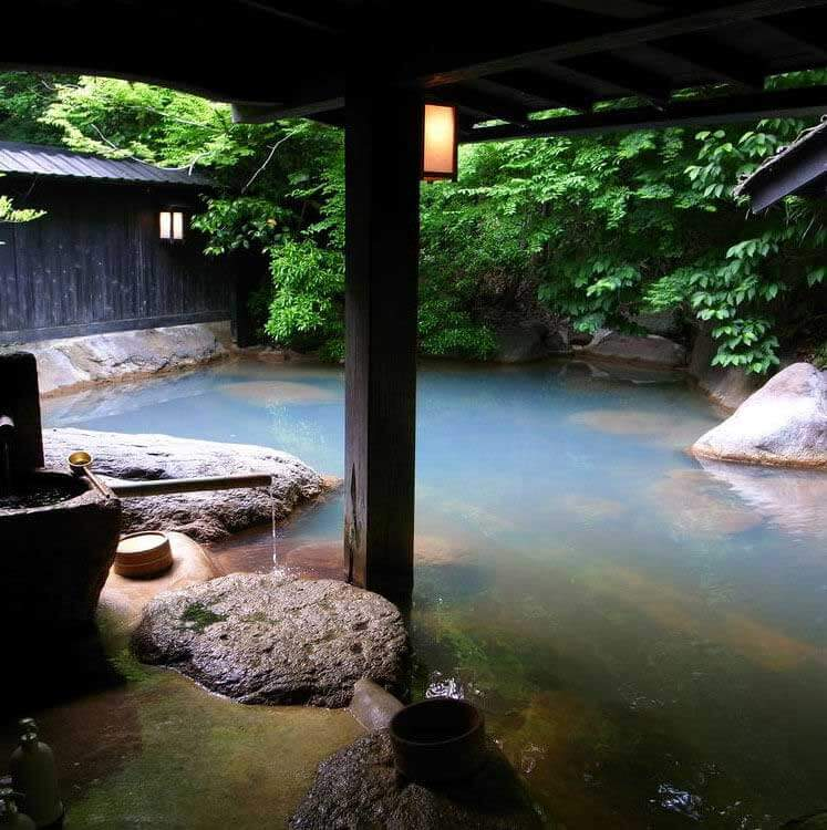 Eco Tours Japan onsen and hot spring tour in Yamanashi Japan